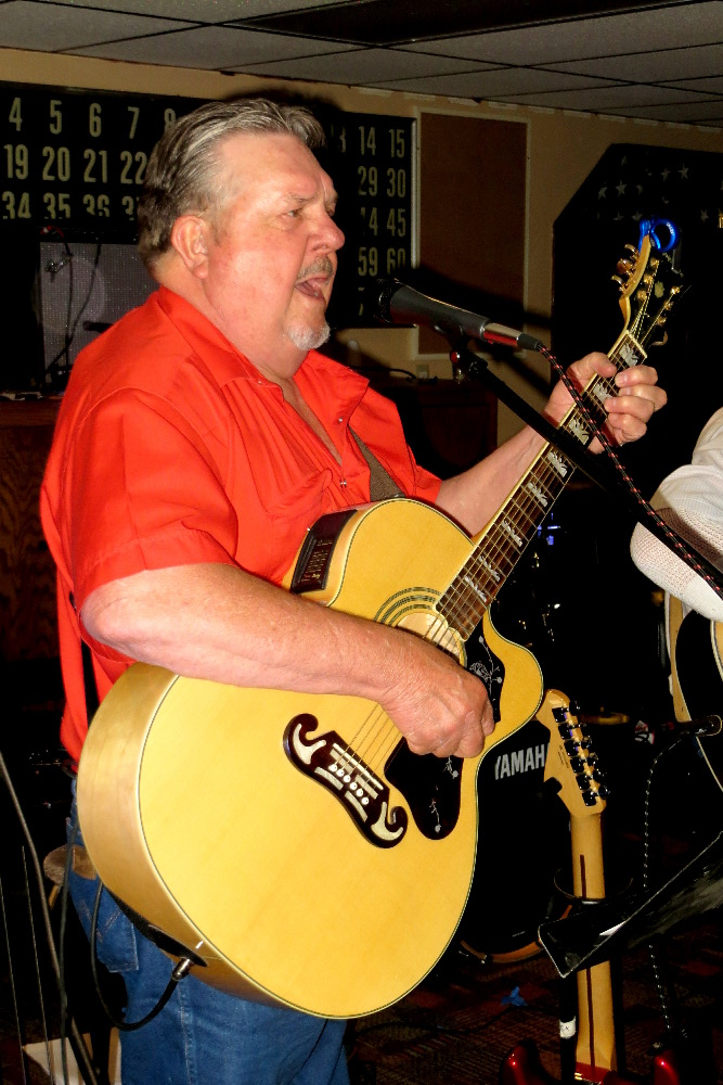 Northeast Nebraska Musician Mike Behnk from The Broken Spoke Band