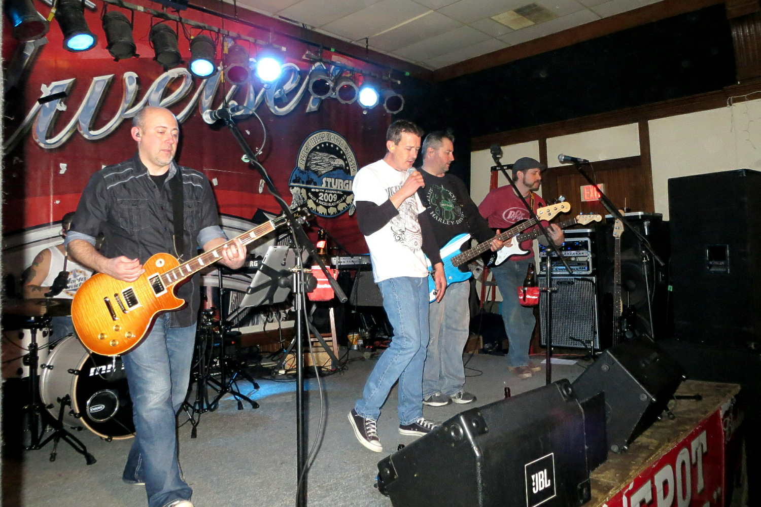 Live Music at The Huddle Lounge in South Sioux City, Nebraska  - 